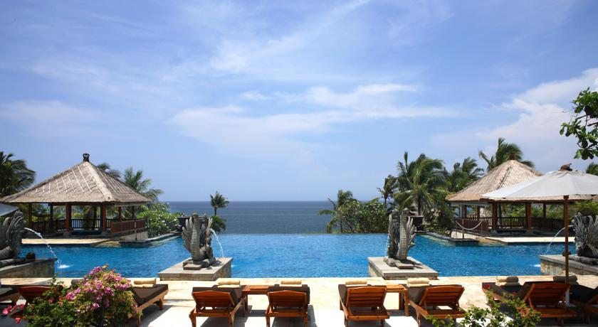 Top 10 best luxury resorts bali indonesia smart holiday shop for Best luxury hotels in bali