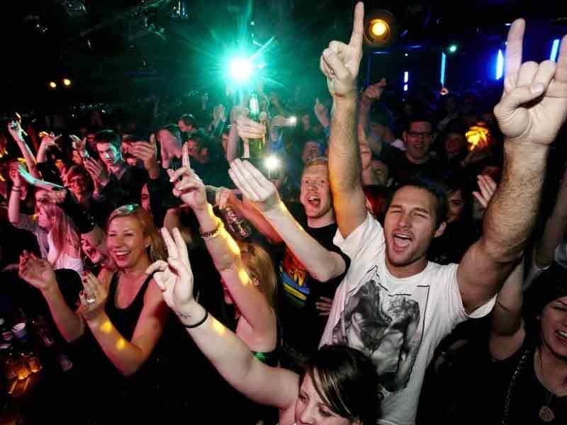 go dancing at club top 10 things to do in hong kong macau at night