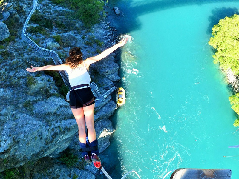 Bungy Jump in Queenstown 12 Things to do in New Zealand Island