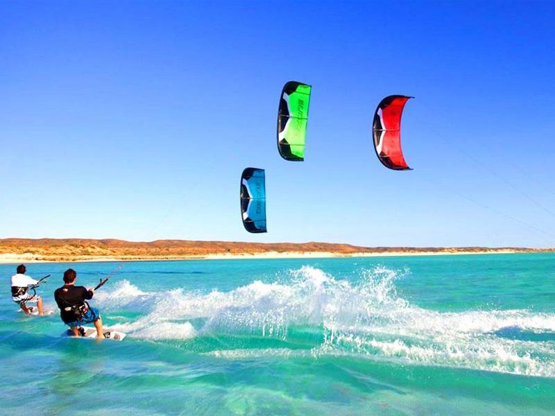 Go to Negombo for Kitesurfing