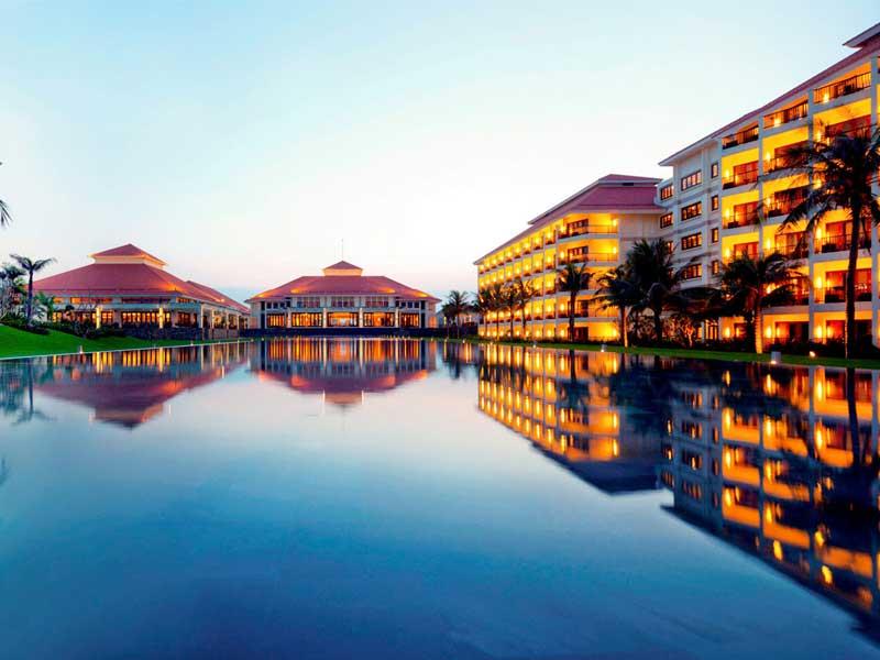 Pullman Danang Beach Resort Top Luxury Beach Resorts in Vietnam for Honeymoon Couple