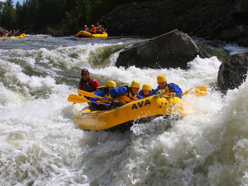 Whitewater Raft Class 5 Rapid 12 Things to do in New Zealand Island
