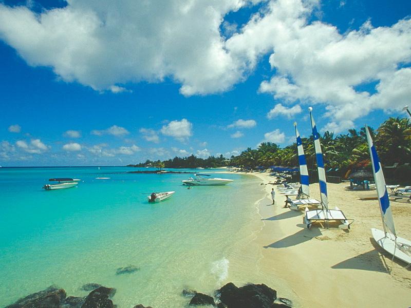 Blue Bay Beach Top 14 best beaches in mauritius fro honeymoon