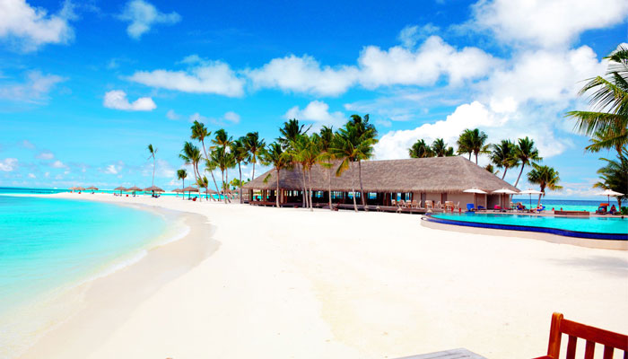 white beach 6 reasons to travel around the maldives