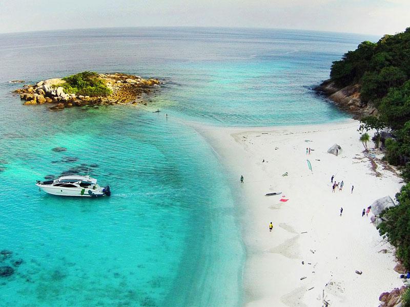 Banana Beach Club 10 Beach Clubs In Mauritius To Explore